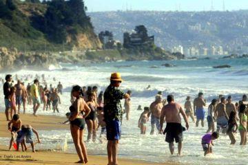 Esperan en Chile otro verano record de argentinos
