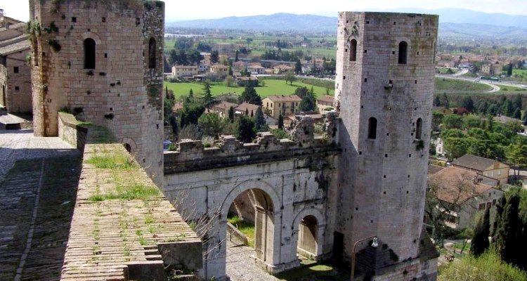 Acueducto romano en Spello