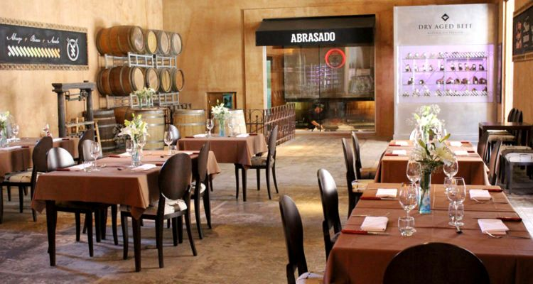 Restaurante y vino en Bodega