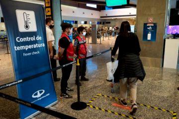 Suárez insiste al gobierno nacional que autorice a Mendoza a recibir vuelos internacionales