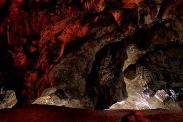 Reabrió la Caverna de Las Brujas en Malargüe - qué cuenta la leyenda